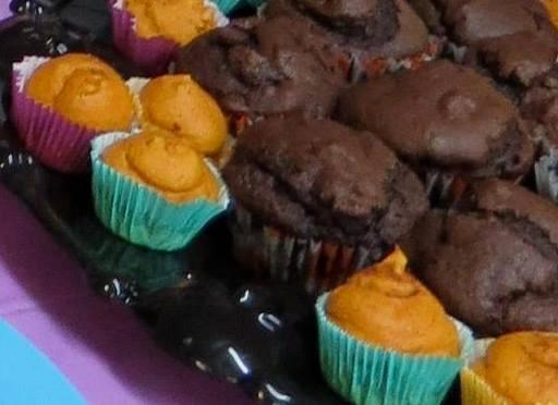 Kitsch Confections - Rich chocolate muffins with chocolate chips surrounded by mini pumpkin muffins